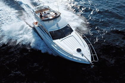 Charter Motorboat Princess 42' fly Piraeus