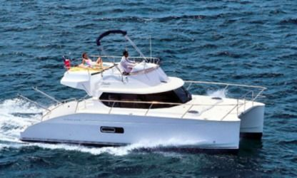 Rental Motorboat Fountaine Pajot Highland 35 Pilot Ajaccio
