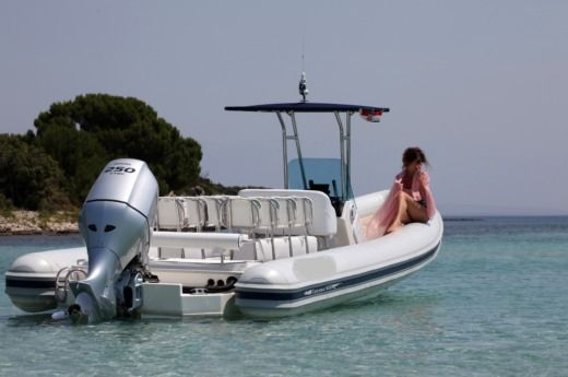 RIB LOLIVUL RIB BOATS LOLIVUL 9.0 for hire