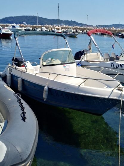 Charter Motorboat Quicksilver 550 Commander Open Toulon