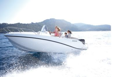 Charter Motorboat Quicksilver 555 Toulon