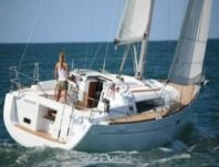 Beneteau Océanis 37 in Saint-Cast-le-Guildo