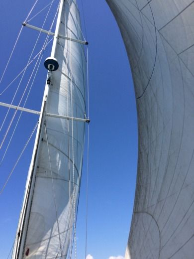 Sailboat Dufour 42 Lacoste for hire