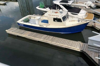 Rental Motorboat Downeast 33' Stamford