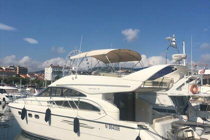 Miete Motorboot Princess 50 FLY Cannes