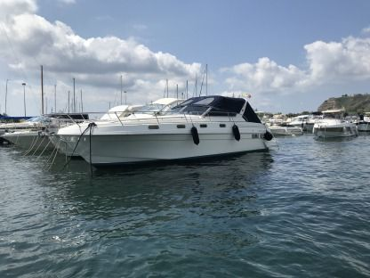 Charter Motorboat Fiart Mare 36 Genius Bacoli