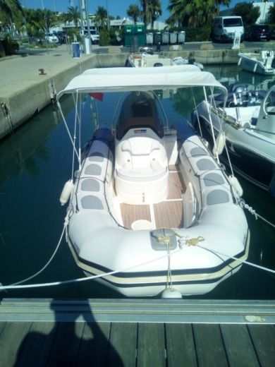 Valliant Valliant 570 in Nice for hire