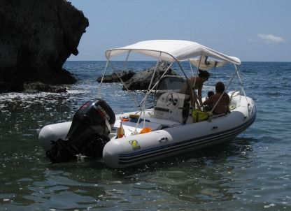 Charter RIB Zodiac Medline 580 Carboneras