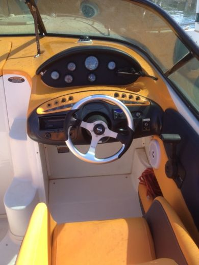 Maxum 3200 in Fréjus for hire