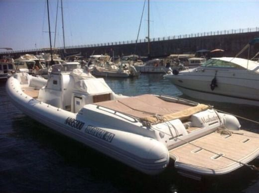 Gommone Heaven 40 in Bacoli NA for hire