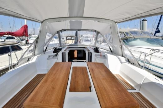 BENETEAU OCEANIS 35 in Les Sables-d'Olonne for hire