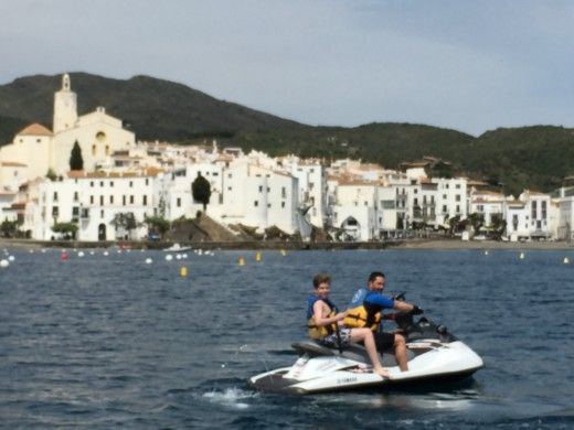 Charter jet ski in Roses peer-to-peer