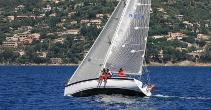 Rental Sailboat Elan Elan 333 Gte Six-Fours-les-Plages