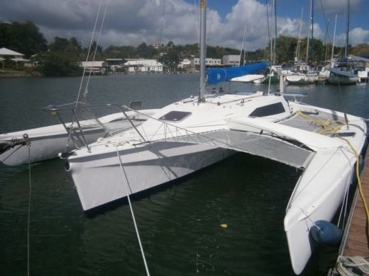 Catamaran CORSAIR MARINE C28CR peer-to-peer