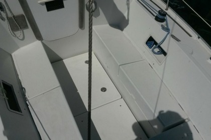Hire Sailboat Custom Comet 910 Split