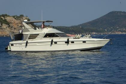 Hire Motorboat Fairline Fairline 50 Saint-Mandrier-sur-Mer