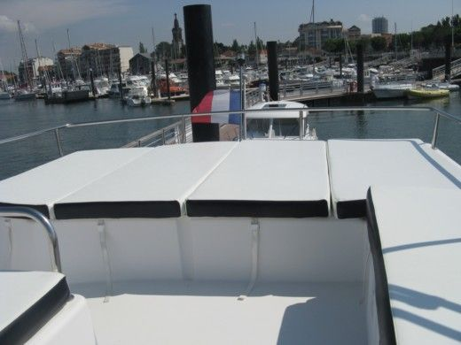 FOUNTAINE PAJOT HIGHLAND 35 in Arcachon peer-to-peer
