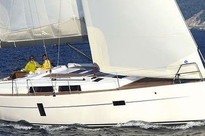 Hire Sailboat HANSE 430e Bonifacio