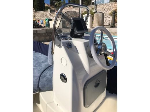 RIB Zodiac Medline 500