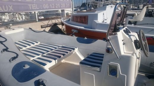 Charter rIB in Marseille peer-to-peer
