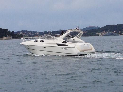 Motorboat Cranchi 39 Endurance for hire