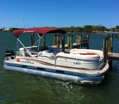 Charter Motorboat Sun Tracker Party Barge Signature Pontoon 22' North Port