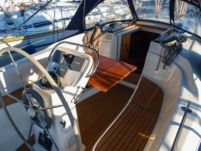 Sailboat Bavaria 32