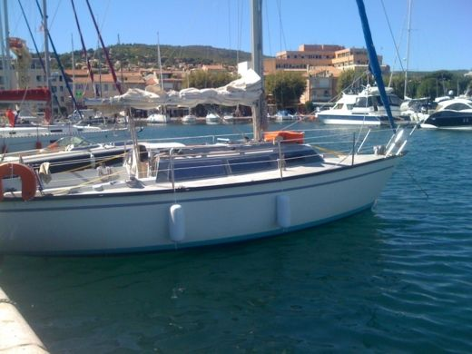 Sailboat Dufour 28 peer-to-peer