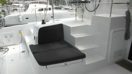 Catamaran Lagoon 42 for hire