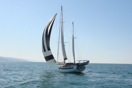 Hire Sailboat FORMOSA 61 Hendaye
