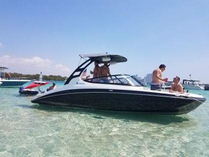 Rental Motorboat Yamaha Limited S Miami