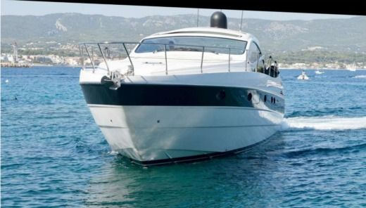 Motorboat Pershing Pershing 50 for hire