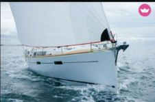 Sailboat Beneteau Oceanis 45