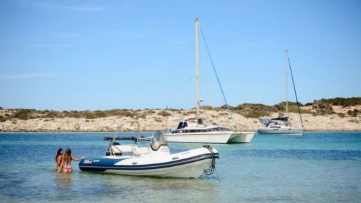 Valiant 650S in Formentera for rental