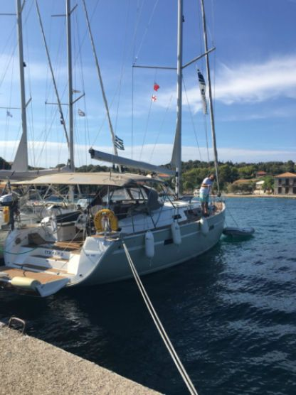 Charter Sailboat Bavaria 46 Cruiser Nidri