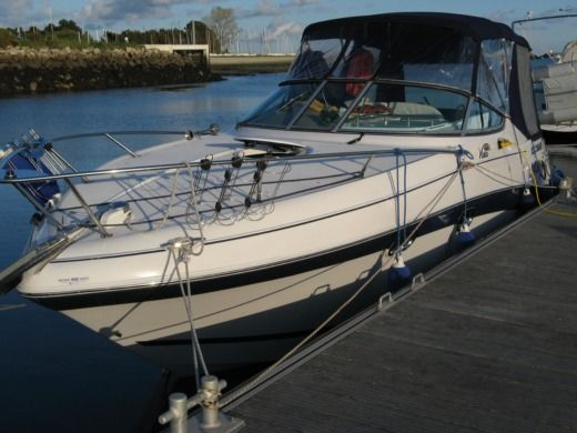 FOUR WINNS 268 in Arzon for hire