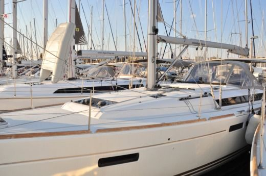 Sailboat JEANNEAU Sun Odyssey 469 for hire