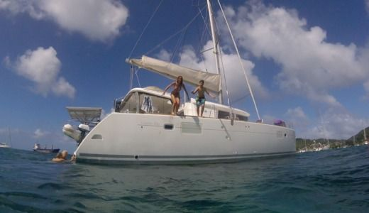 Catamaran CMB Lagoon 450 peer-to-peer