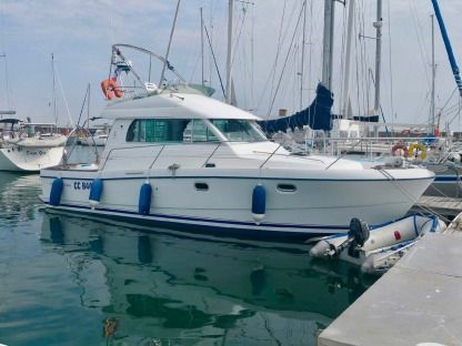 Charter Motorboat Beneteau Antares 10.80 Arzon