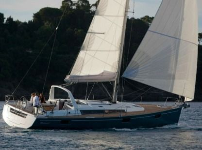Rental Sailboat Oceanis 48 Pomer