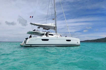 Rental Catamaran FOUNTAINE PAJOT SAONA 47 Le Marin