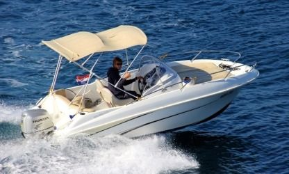 Rental Motorboat Beneteau Flyer 550 Tivat