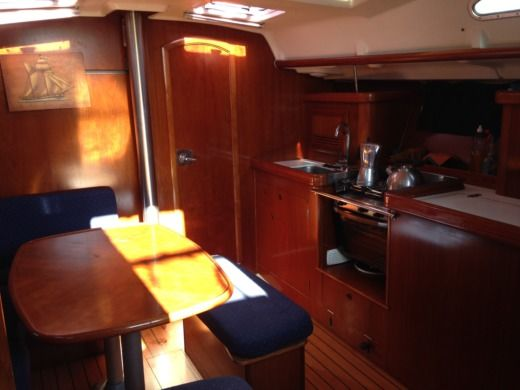 Sailboat Beneteau Oceanis 393 Clipper for hire