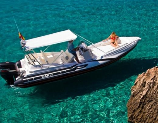 Motorboat Zar Formenti 75 Suite for hire