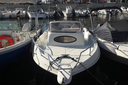 Hire Motorboat ULTRAMAR Shaft 550 Saint-Florent