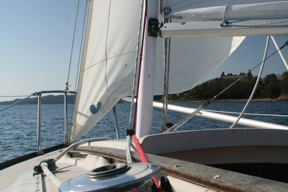 Charter Sailboat BENETEAU FIRST 18 Morgat