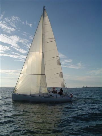 Charter sailboat in Lorient peer-to-peer