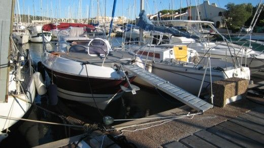 BENETEAU FLYER 850 SD in Hyères for hire