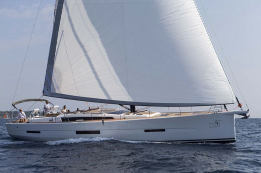 Dufour 56 Exclusive a Antibes da noleggiare
