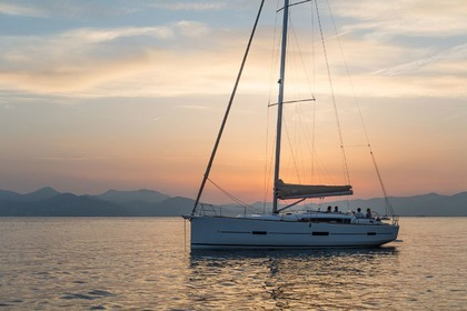 Hire Sailboat DUFOUR 460 GL Paros